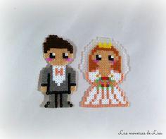 Bride and groom keychain hama mini beads by LasmoneriasdeLisa