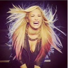 I love you Demi♥  I hope i can meet you one day, so i can hang out with you, and tell you how your one of my biggest inspirations :'D