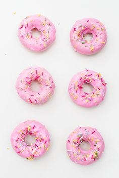 DIY Donut Soap Favours Sprinkles Doughnut Melt and Junk Free June, Make Your Own, Make It Yourself, How To Make, Diy Savon, Diy Donuts, Wedding Donuts, National Donut Day, Soap Tutorial