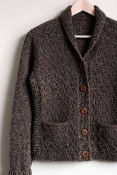 Gudrun Johnston's Little Wave pattern knitted by luminen on ravelry Cardigan Pattern, Knit Cardigan, Knit Jacket, Knitting Designs, Mantel, Hand Knitting, Knitwear, Knitting Patterns, Knit Crochet