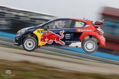 portfolio — Aesse Photo di Stefano Arcari Peugeot in atterraggio dopo un salto durante la tappa italiana del mondiale WRX