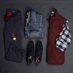 A light quilted vest serves as a solid layering piece over a button down and under a mid-wash denim jacket. Less bulk and dresses down the navy suede chukka boots. Flannel Outfits, Vest Outfits, Suede Chukka Boots, Fashion Essentials, Style Essentials, Denim Jacket Men, Mens Fall, Minimalist Fashion, Autumn Fashion