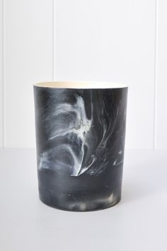 Marbled Pot - Black by Koromiko