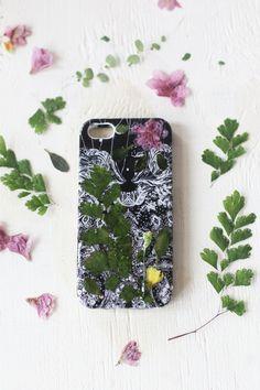 DIY Pressed Flower Phone Case