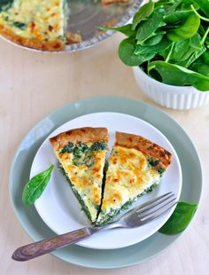 super simple spinach and feta quiche - perfect for breakfast, lunch or dinner!