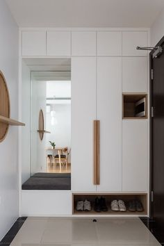 Finding the right balance of style and functionality can be tricky but is definitely necessary. Here are a few tips to help you pick the right wardrobe designs for bedrooms. #interiordesign #wardrobedesign #homedecor #interiordesigntips #bedroomdesigntips Room Design Bedroom, Wardrobe Design Bedroom, Home Room Design, Home Interior Design, Shoe Cabinet Design, Cupboard Design, Hallway Furniture, Home Decor Furniture, Wardrobe Door Designs