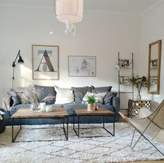 51 Rustic Farmhouse Living Room Design and Decor Idea Simple Living Room, Home Living Room, Living Room Designs, Living Room Decor, Modern Living, Front Room Decor, Modern Apartment Design, Simple Furniture, Rug
