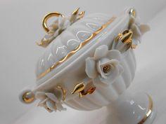 Bomboniere originali in porcellana. Nuove Collezioni Bomboniere Matrimonio. Napkin Rings, Brooch, Jewelry, Decor, Jewlery, Decoration, Jewerly, Brooches, Schmuck