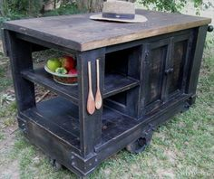 Recycled Pallet Kitchen Island | Recycled Pallet Ideas