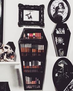 Very Best cheap apartment decor stores Gothic Room, Gothic House, Goth Bedroom, Room Decor Bedroom, Goth Home Decor, Gothic Bathroom Decor, Gypsy Decor, Halloween Bedroom, Horror Decor