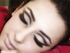 Dramatic black cut crease eye make up