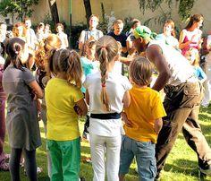 cours de capoeira pour enfant à paris jogaki bamba http://www.paris-capoeira.fr/Paris-Capoeira-Bamba-Abada-Cours-enfants-danse-sport.html