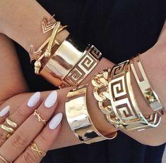 my bracelets for prom ~ pinterest: @xpiink ♚