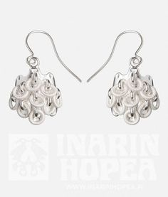 Traditional handmade Lappish jewellery are made of silver. Ice Crystals, Silver Jewellery, Jewelry, Crystal Drop, Finland, Glow, Pendant Necklace, Drop Earrings, Sterling Silver