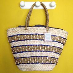 A nossa bolsa de palha Kuat é ideal para levar tudo o que você precisa para a praia, piscina ou até mesmo para ser usada no look casual do dia a dia! Além de linda, ela é elegante e possui forro  em forma de saco com fechamento de cordão! Visite nossa loja virtual! Estamos cheios de novidades para vocês!!! www.lindamoliva.com.br - Entregamos em todo o Brasil!!! #lindamoliva #euusolindamoliva #bolsadepalha #bolsadepraia #bolsasdepalha #modapraia #praia #piscina