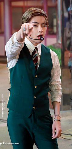 Kim Taehyung Funny, V Taehyung, Daegu South Korea, Bias Kpop, I Love Bts, Bulletproof Boy Scouts, Record Producer, South Korean Boy Band, Korean Singer