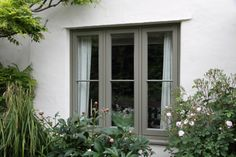 View case study of Kirby le Soken, Essex, flush casements and timber front door fromTimber Windows, quality, engineered timber windows. Window Frame Colours, Grey Window Frames, Painted Window Frames, White Frames, Wooden Casement Windows, Timber Windows, Windows And Doors, Barn Windows, Aluminium Windows