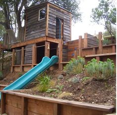 34 Charming Small Backyard Playhouse Design Ideas For Your Kids - A wooden kid's playhouse can take the form of an outdoor clubhouse or simply an outdoor playhouse that will keep your children occupied during these l. Backyard Fort, Backyard Playset, Backyard Playhouse, Build A Playhouse, Backyard Playground, Backyard For Kids, Backyard Ideas, Steep Backyard, Outdoor Playset