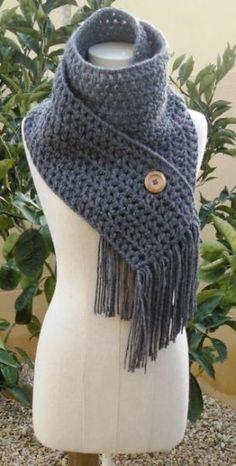 Bufanda crochet... @Connie Hamon Brzowski Hamon Brzowski Hamon Brzowski Harrison can you make this for me because I love it :)