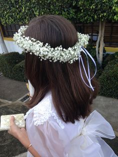 Corona de flores naturales Primera Comunión First Communion wreath #babybreath #freshflowers #wreath