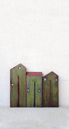 """Satz von 3 recycelten Holz """"alt aussehen"""" Häuser, mit Acryl-Farben bemalt, lackiert mit klaren Waterbased Lack - HOME DECOR"""