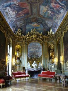 Galerie Dorée Toulouse, Palaces, Beautiful Buildings, Beautiful Places, Versailles, Palace Interior, French Architecture, Marquise, Rococo Style