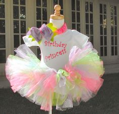 cutest birthday party outfits!