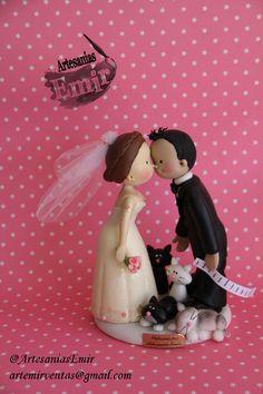 Amor gatuno  #masaflexible #porcelanafria #coldporcelain #fimo #arcillapolimerica #polymerclay #handmade #handcrafted #hechoamano #hechoenvenezuela #madeinvenezuela #love #amor #torta #weddingcake #wedding #weddingtopper #caketopper #topedetorta #weddingdesign #Boda #BodasenVenezuela #Novia #Novias #bodasvzla #bodas2015 #noviospersonalizados #novios #ArtesaniasEmir