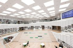 White room: This stunning wide-open space is actually the Dalarna Media Library in Falun, Sweden. The building is open to the public as a research facility Architecture Design, World Architecture Festival, Library Architecture, Architecture Awards, Library Design, Learning Spaces, Atrium, Hospitality Design, School Design