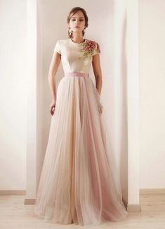 Not going to wear anything like this but its a beautiful look Rami Kadi bridal hand embroidered tulle wedding gown Tulle Wedding Gown, Bridal Gowns, Tulle Gown, Wedding Robe, Tulle Skirts, Chiffon Gown, Wedding Pics, Blue Wedding, Wedding Reception