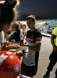 Tobin HeathCan I please have the pleaser to meet this amazing angle some day:)