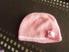 gorra nena con flor Beanie, Hats, Fashion, Flower, Moda, Hat, Fashion Styles, Beanies, Fashion Illustrations