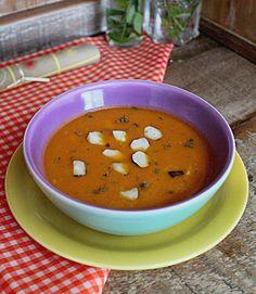 Sopa de Tomate Assado com Tomilho