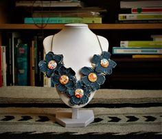 Le chouchou de ma boutique https://www.etsy.com/ca-fr/listing/484991668/collier-plastron-fait-a-la-main-fleurs