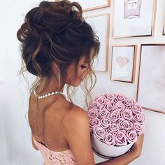 These beautiful long lasting roses are oh so lovely 😊 — Our stunning soft pink roses are now back in stock and ready to be delivered express ! Alternatively if you wish to secure this popular colour, order now and specify the day for delivery 💞 Available in large round or small square signature box