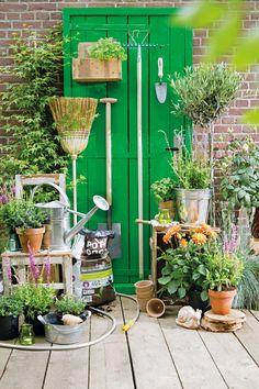 Een typische deur van een echte tuinierder met groene vingers! #voordeur