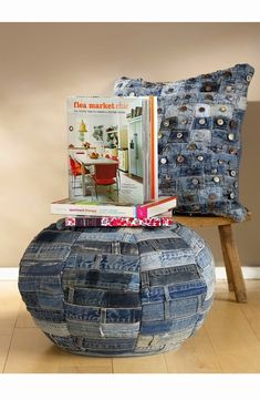 Upcycled waistbands from well-worn jeans compose a distinctive denim pillow for a touch of flea-market chic. dimensions: x Cotton with polyester fill; By Mina Victory; Diy Jeans, Recycle Jeans, Upcycle, Jean Crafts, Denim Crafts, Recycling, Denim Art, Denim Ideas, Ideas Geniales
