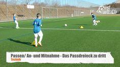 Einfach, praktisch und gut. justfootball.tv zeigt eine Übungsform zur Verbesserung des Passspiels und der Ballan- und -mitnahme. justfootball academy – Train...