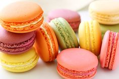 Not to be confused with the sweet coconut-based Macaroons, French Macarons (pronounced mah-kah-ROHN) are light, airy and delicate meringue sandwich cookies baked in an infinite array of flavors and … French Macaroon Recipes, French Macaroons, Baking Recipes, Cookie Recipes, Dessert Recipes, Macaron Dessert, Macaron Sweet, Macaron Flavors, How To Make Macarons