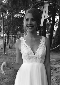 White Dress, Bride, Wedding Dresses, Wedding Ideas, Fashion, Wedding Bride, Bride Dresses, Moda, Bridal Gowns