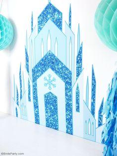Toile de Fond DIY pour Anniversaire Reine des Neiges - facile, rapide à faire avec des décorations printables pour une sweet table ou photo booth! | BirdsParty.fr