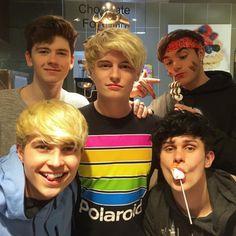 Mikey Pretty Boys, Cute Boys, My Boys, Roadtrip Boyband, Brooklyn Wyatt, Road Pictures, Bratayley, Cover Band, British Boys
