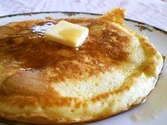 ◆もちもちパンケーキ◆ ひとりで完食するわたしにダーリンどん引き。。。もっちりむちむちおいしすぎ!たべずに人生終われない?!