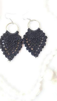 Pendientes de ganchillo crochet joyería joyería hecha a Necklaces, Bracelets, Crochet Earrings, Jewelry, Fashion, Hand Made, Accessories, Jewels, Bangles