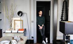 Portrait Alexandre Roussard Salon Appartement Paris David Chaplain et Alexandre Roussard