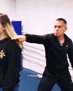 Krav Maga Self Defense, Self Defense Moves, Self Defense Martial Arts, Martial Arts Workout, Martial Arts Training, Boxing Training, Mma Workout, Kickboxing Workout, Martial Arts Techniques