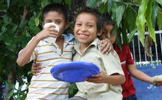 os niños de entre 8 y 12 años de América Latina y el Caribe están invitados a celebrar el Año Internacional de la Agricultura Familiar participando en este concurso de dibujo. Se aceptarán dibujos hasta el 31 de julio.