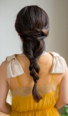 Love this beautiful hairstyle - perfect for any dressy occasion, or even a casual one! Inspired by L'Oreal Advanced Hairstyles