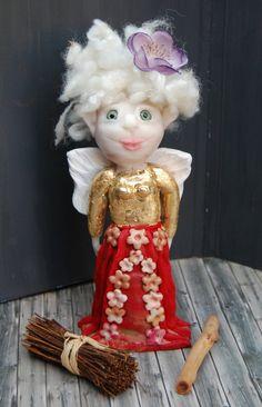 Ein Engel der besonderen Art,modelliert aus Polymer Clay,wirkt wie…