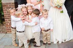 Se pensa em tantas coisas na organização do casamento, mas os pequeninos acabam passando despercebidos não é verdade? Eles participam na cerimônia, deixam tudo fofo e divertido, mas depois…Be…